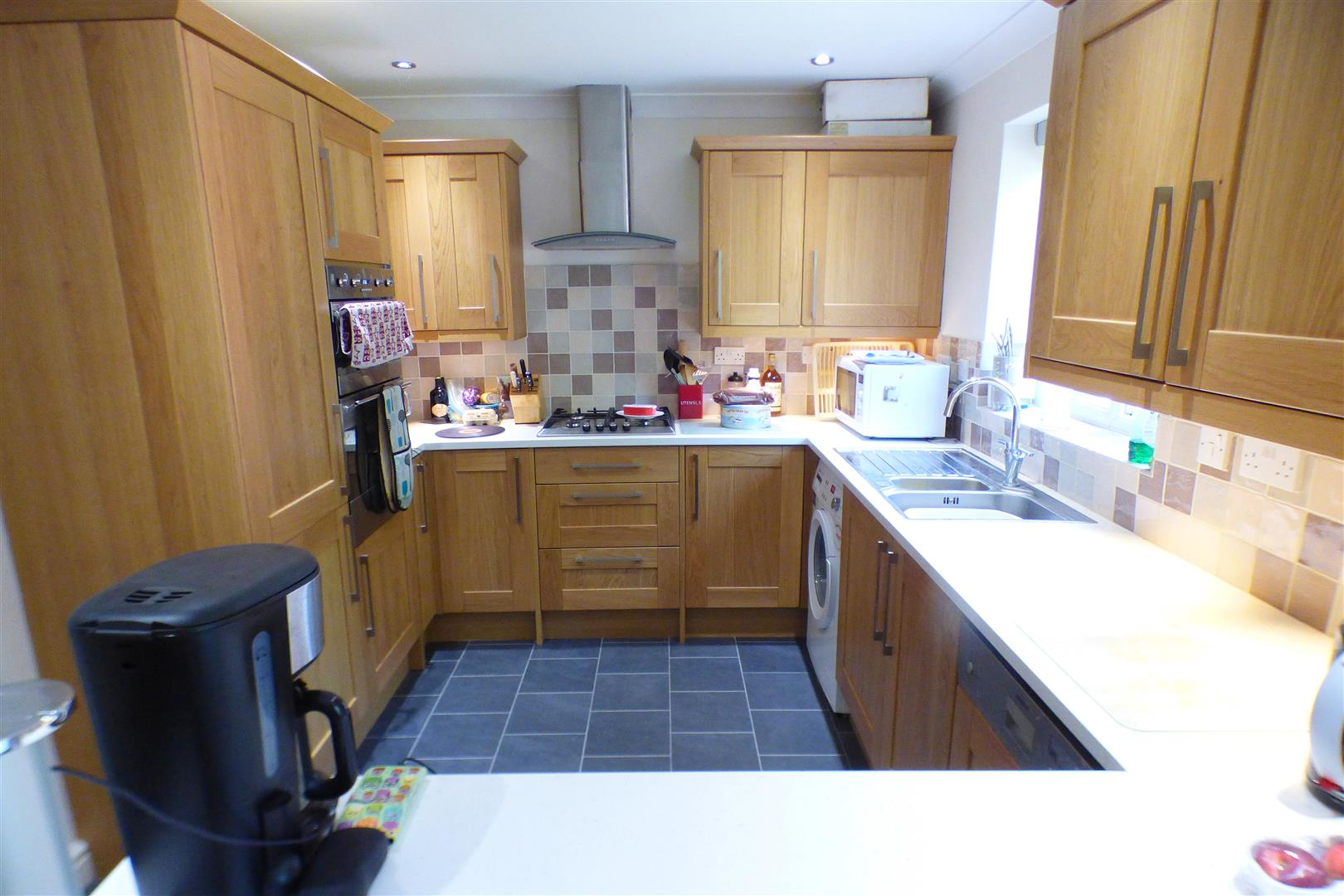 4 Bedrooms Detached House for sale in Fordington Place, Kineton, Warwick
